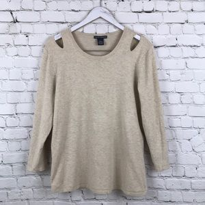Chelsea & Theodore  sweater wit cutout shoulders
